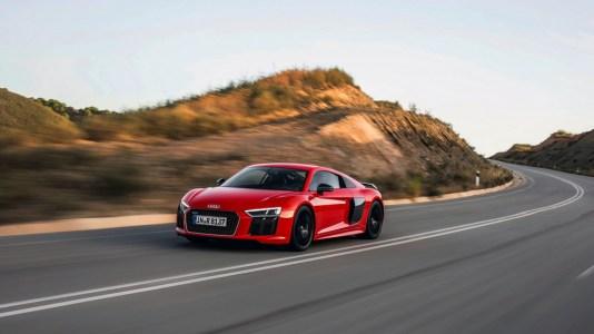 El Audi R8 Plus Underground Racing recibe un kit Twin-Turbo y entrega... ¡2.200 CV de potencia!