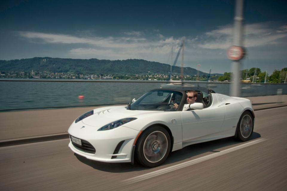 Tesla confirma el Roadster, pero no llegará al mercado hasta finales de década