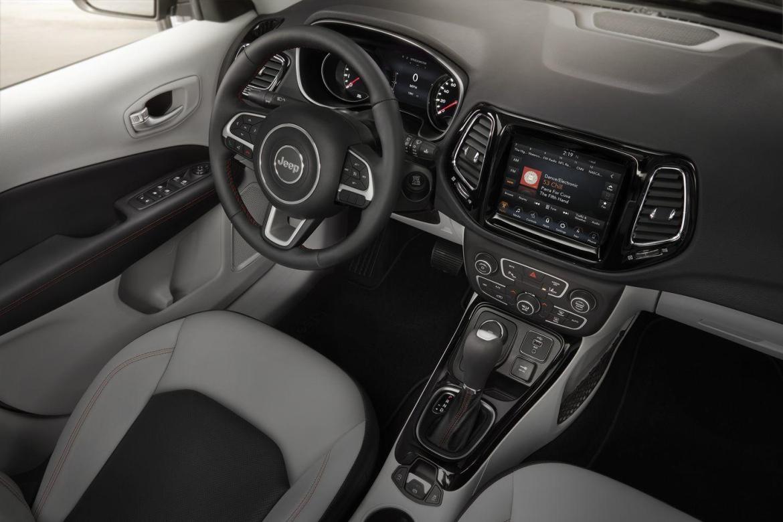 Así es el nuevo Jeep Compass 2017: Llega el reemplazo de los Patriot y Compass de anterior generación 2