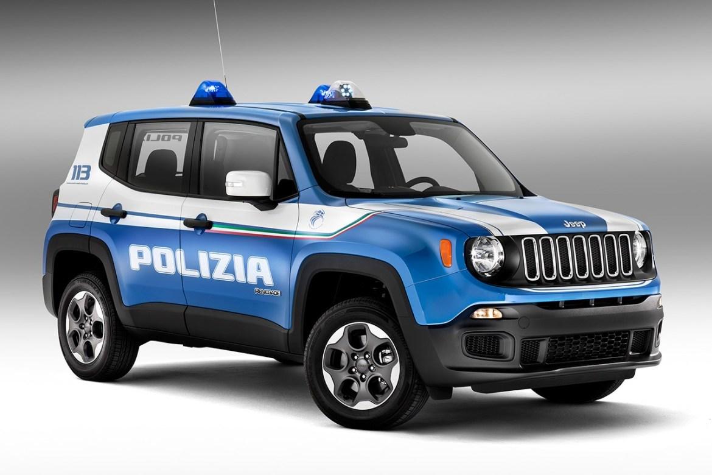 El Alfa Giulia Veloce de 280 CV pasa a formar parte de la flota de la policía italiana: ¡La potencia por bandera!