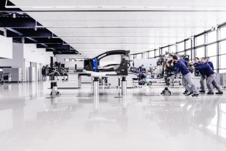 Bugatti necesita más de 6 meses para fabricar una unidad del Chiron: ¿Qué otras curiosidades tiene el modelo?