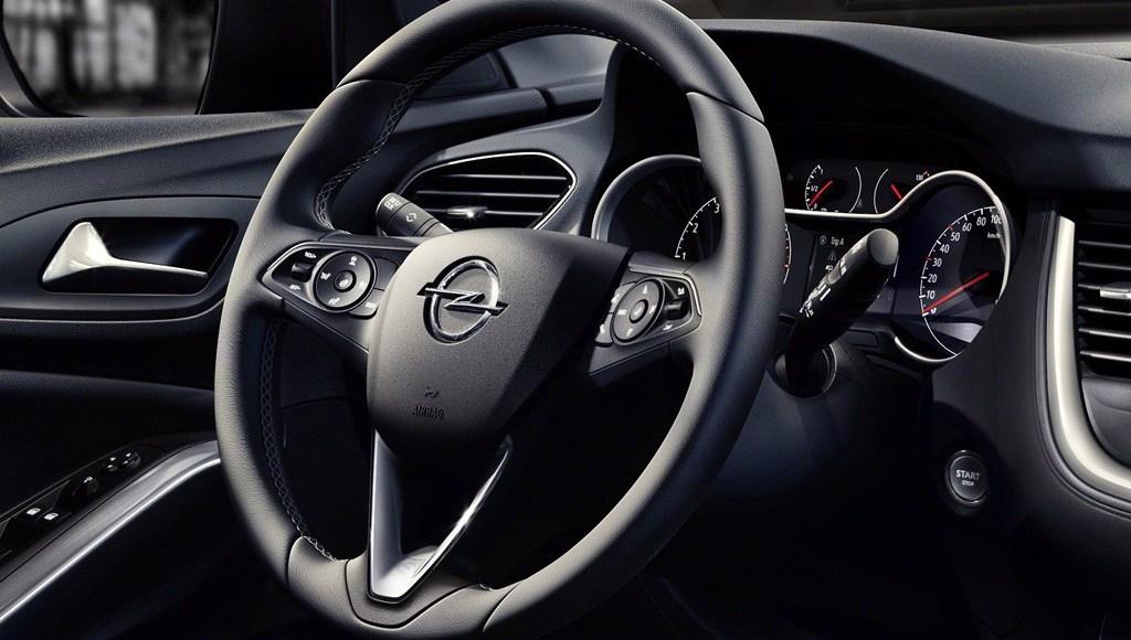 2017 Opel Grandland X – embargoed until April 19th