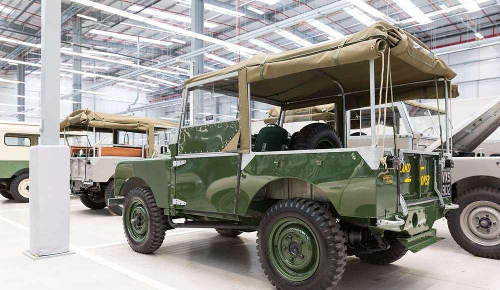 espectacular-asi-es-el-nuevo-talleres-de-clasicos-de-jaguar-land-rover-bautizado-como-classic-works-27