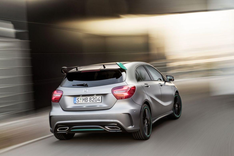 La nueva generación del Mercedes Clase A llegará en 2018: Estrenará conducción semi-autónoma y versión híbrida enchufable