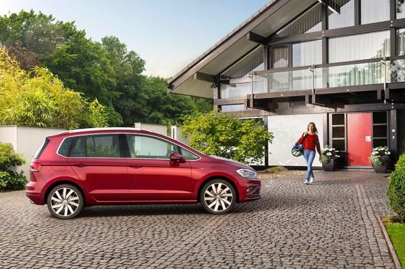 Volkswagen Golf Sportsvan 2018: El monovolumen se vuelve más tecnológico y estrena nueva imagen