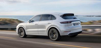 Porsche Cayenne Turbo 2018: 30 CV y 20 Nm más de par para el SUV de altos vuelos