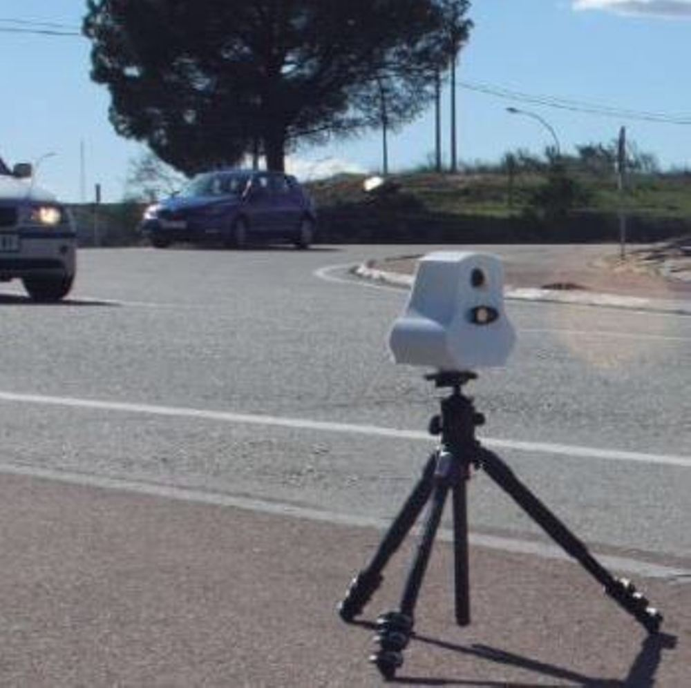 ¡Cuidado! Las motos de la Guardia Civil llevarán radares láser portátiles