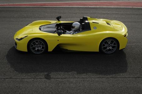 Dallara lanza su primer coche de calle: 855 kg y motor 2.3 del Ford Focus RS