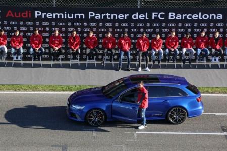 Los jugadores del FC Barcelona reciben sus Audi para 2018-2019: ¿Qué coche tiene cada jugador?