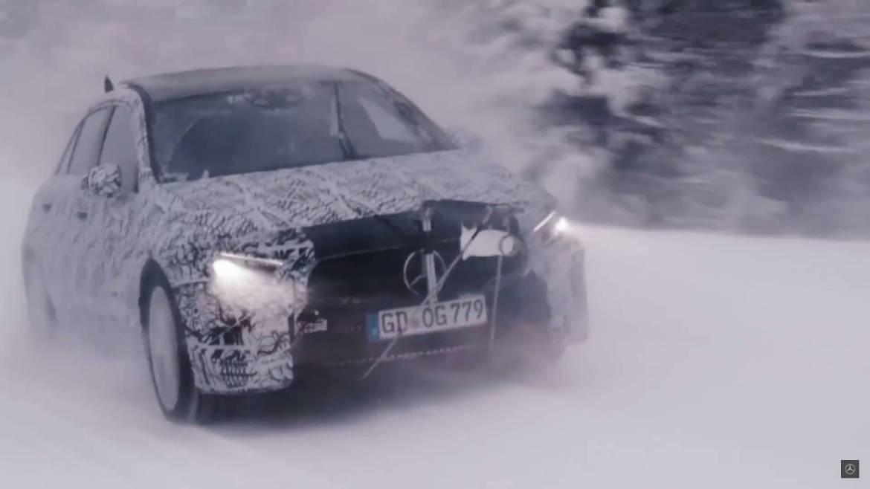"""Más cerca del nuevo Mercedes CLA: """"coupé"""" y mayor deportividad"""