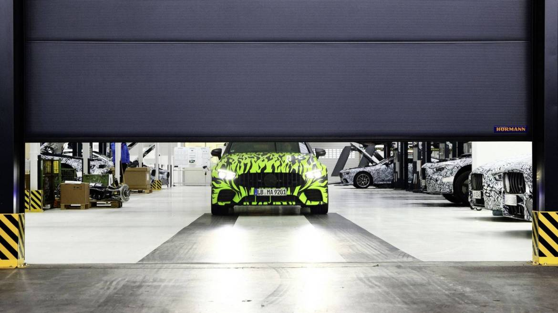 Casi al descubierto: Mercedes AMG GT Coupé, ¡menudo camuflaje!