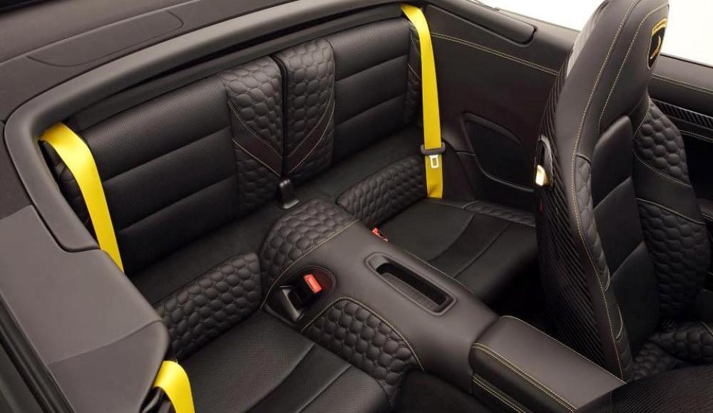topcar-stinger-gtr-carbon-edition-750-cv-banados-en-oro-y-carbono-04