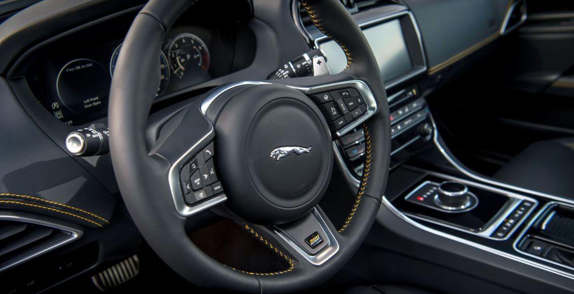 la-edicion-limitada-300-sport-aterriza-en-los-jaguar-xe-xf-y-xf-sportbrake-13