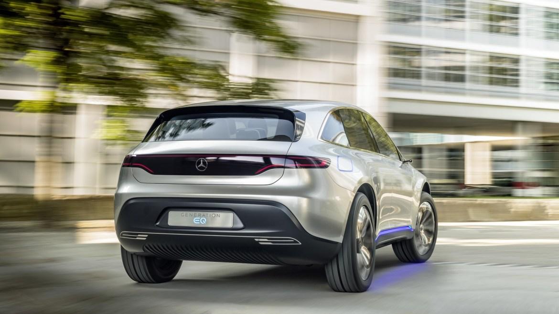 El Mercedes EQ C apunta alto: eléctrico, dinámico, y en el mercado antes de las navidades