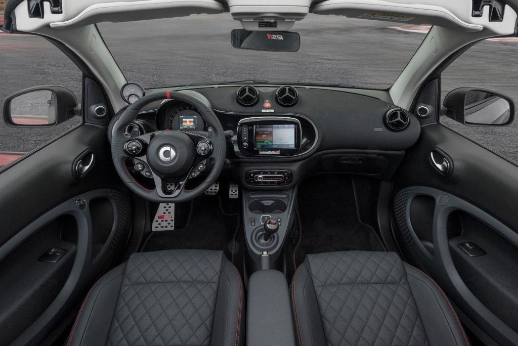 El BRABUS 125R es el fortwo Cabrio más potente con 125 CV