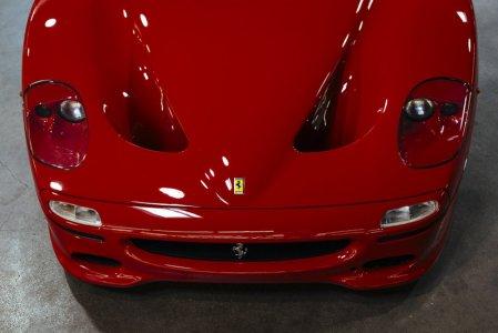El primer Ferrari F50 fabricado ya puede ser tuyo