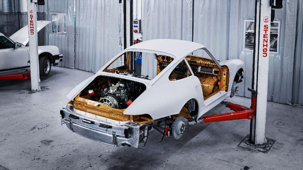 porsche-911-project-gold-vuelve-el-993-turbo-pero-solo-con-una-unidad-07