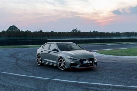 El Hyundai i30 Fastback N se hace oficial: Deportividad en un sedán con aires de coupé