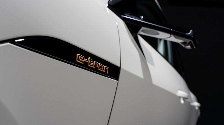 Oficial: Audi e-tron, eléctrico, potente y capaz de todo