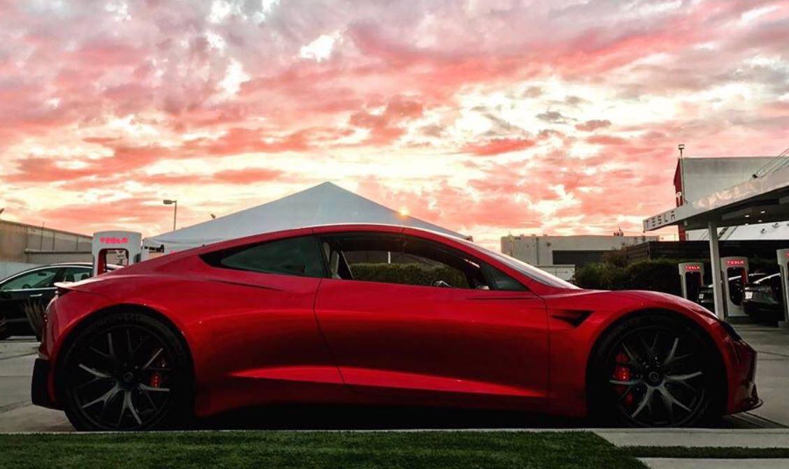 Nuevas imágenes oficiales del Tesla Roadster, ¡prepárate!