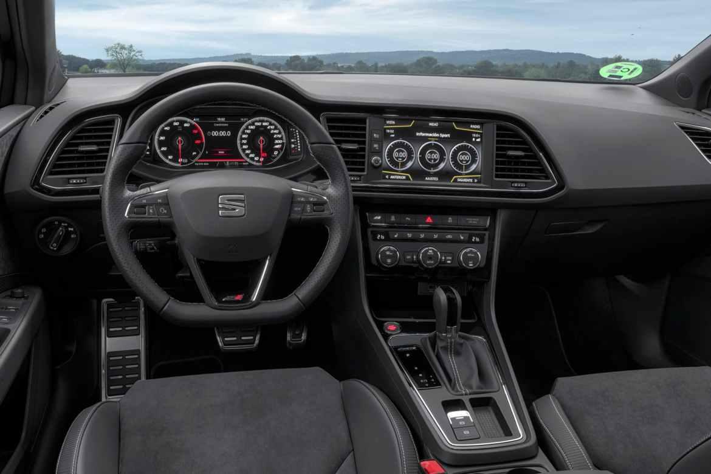 SEAT León ST Cupra Black Carbon: ¿Te gastarías 50.700 euros en él?