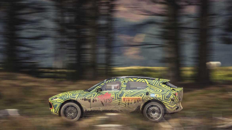 Oficial: Aston Martin DBX, anticipado en nuevas fotografías