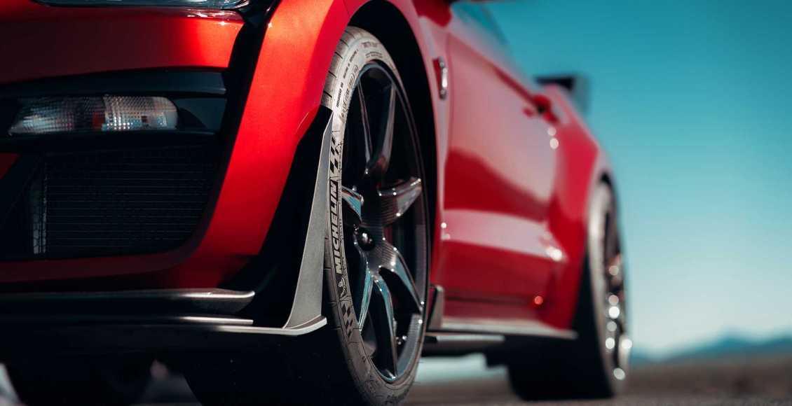 750-cv-fibra-de-carbono-y-un-aspecto-brutal-para-el-ford-mustang-gt500-2020-34