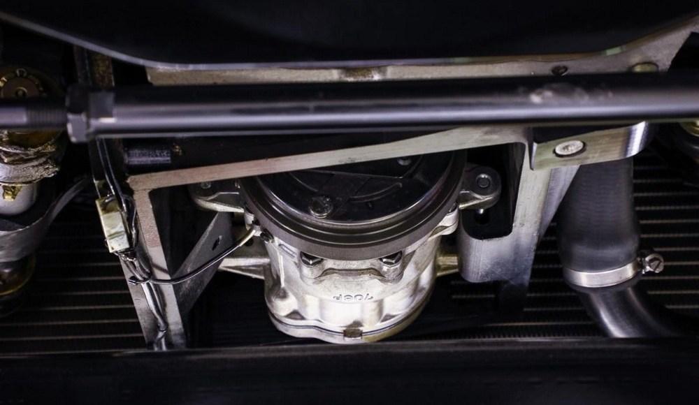 a-subasta-un-mercedes-300-sl-de-1955-con-piezas-de-amg-16