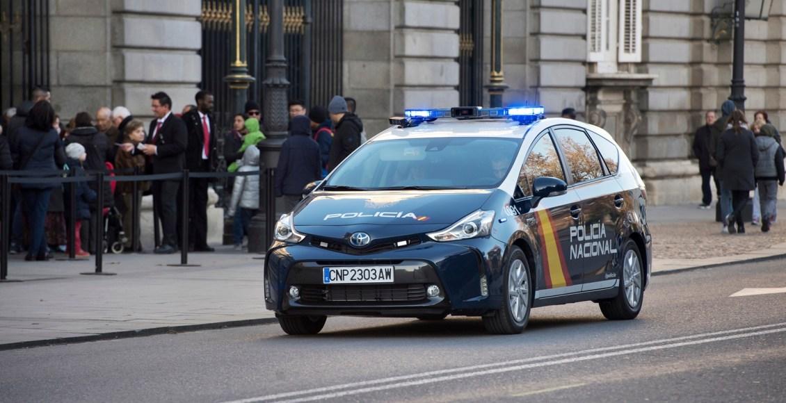 Toyota-Prius-Policía-Nacional-3
