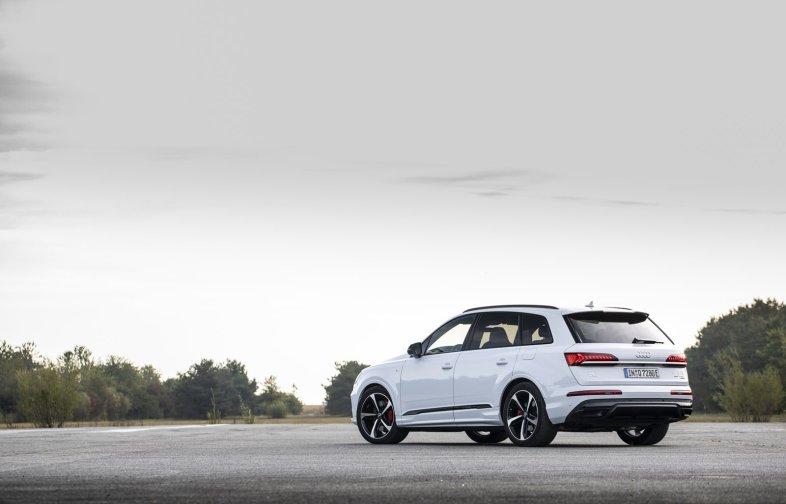 El Audi Q7 60 TFSIe ya está disponible en España: 43 km de autonomía en modo 100% eléctrico