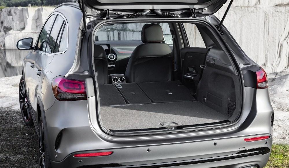 Mercedes-GLA-2020-15