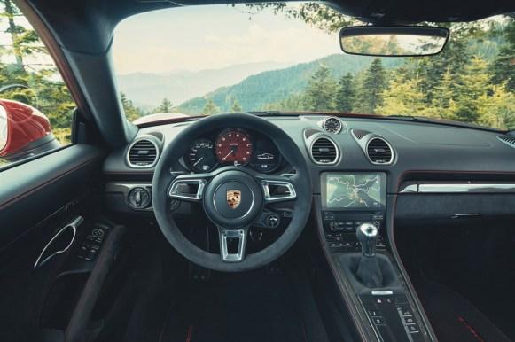 Porsche 718 Cayman y Boxster GTS 4.0: 6 cilindros, 400 CV y diferencial autoblocante