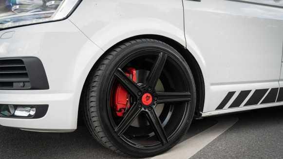 Esta Volkswagen T6.1 tiene 310 CV: ¿El terror de los GTI?