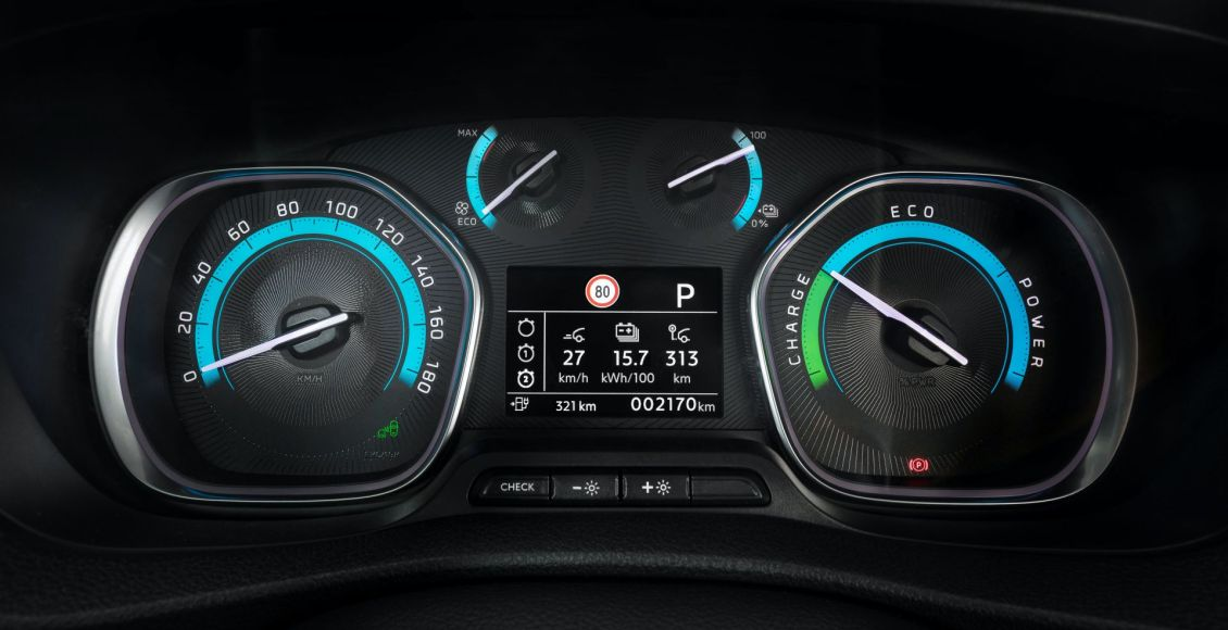 Opel-Vivaro-e-2020-13