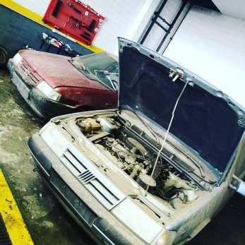 Un viaje en el tiempo: Este concesionario argentino cerrado 30 años guardaba varios vehículos de la época a estrenar