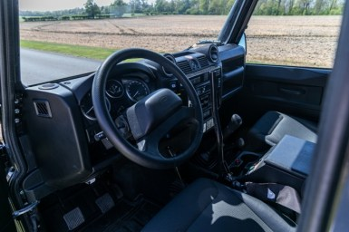 ¿Quieres hacerte con el Land Rover Defender SVX Spectre? Ahora puedes hacerlo con esta unidad que sale a subasta