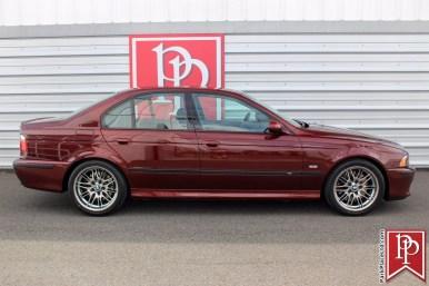 Este BMW M5 E39 de 2001 sólo tiene 32.000 kilómetros y está a la venta