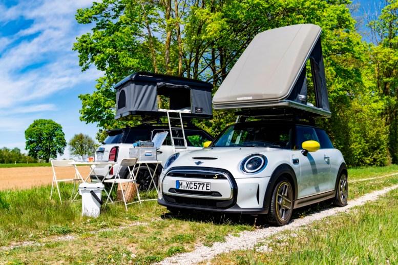 Irte de camping con tu MINI eléctrico es posible con los nuevos accesorios