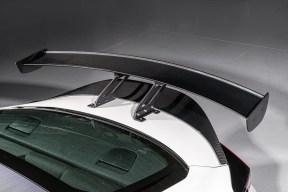 HKS comienza a meterle mano al nuevo Toyota GR 86: Kit compresor, suspensiones roscadas...