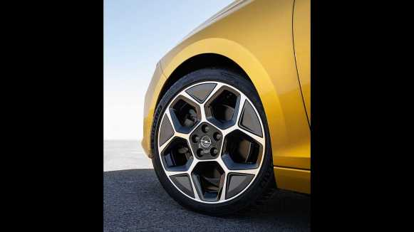 El nuevo Opel Astra 2022 ya es oficial: Genes de Stellantis y versiones híbridas