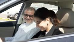 Donna saudita guida