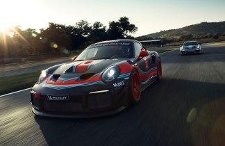 Porsche-911-GT2-RS-Clubsport-2018-02