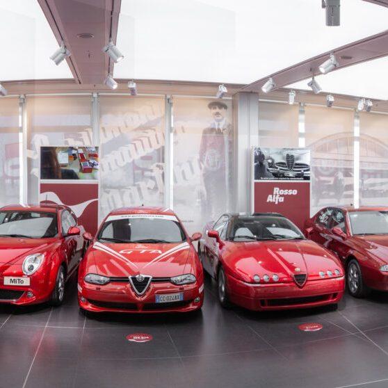 La parata di Alfa Romeo rigorosamente rosse