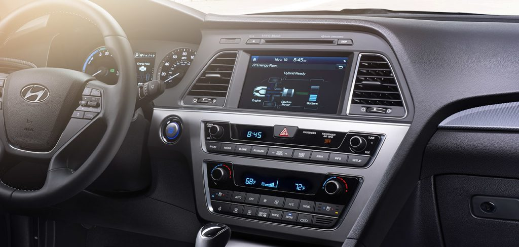 Compare the hyundai accent, hyundai elantra, and hyundai sonata side by side to see differences in performance, pricing, features and more The 2016 Hyundai Sonata Is Good On Value But Problematic