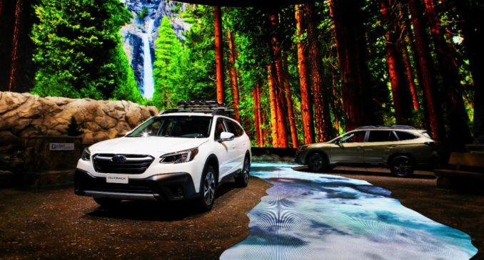 يتم عرض سيارات 2020 Subaru Outback XT في معرض شيكاغو للسيارات السنوي 112 في ماكورميك بليس في شيكاغو ، إلينوي في 6 فبراير 2020.