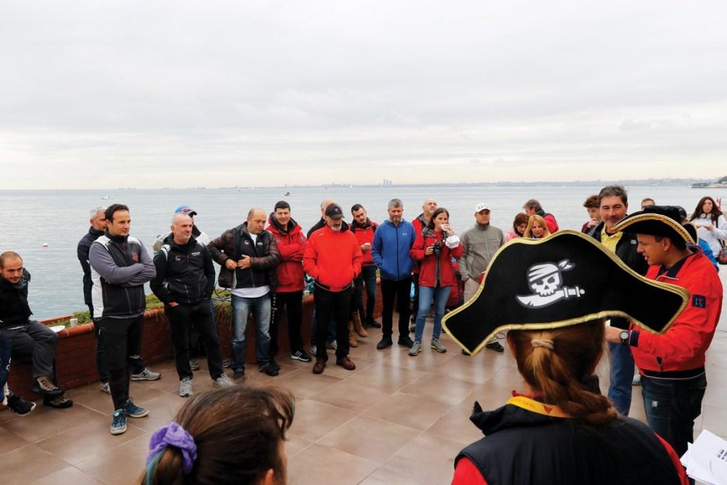 Siyah İnci Pirat & Yat Savaşları - Brifing