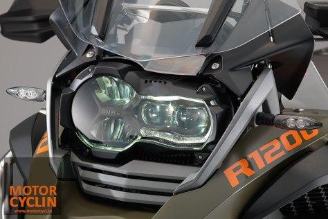 2014-BMW-R1200GS-headlamps