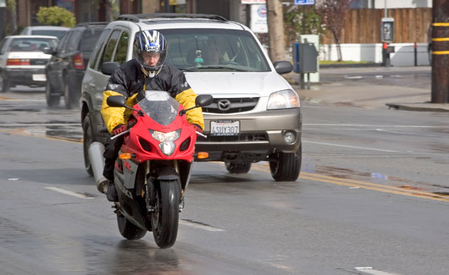Motorcycle Lane Positons: Wet Road