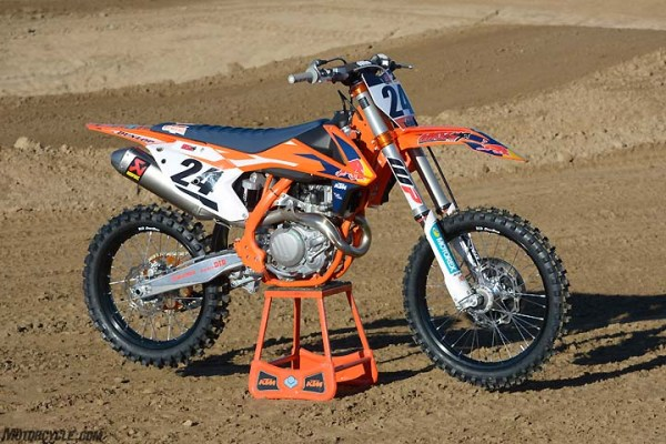 020817-450cc-motocross-shootout-2017-ktm-450-sx-f-factory ...
