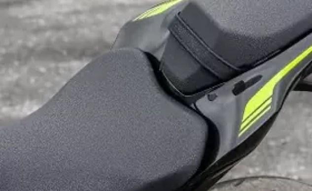 2020 Kawasaki Z900 seat